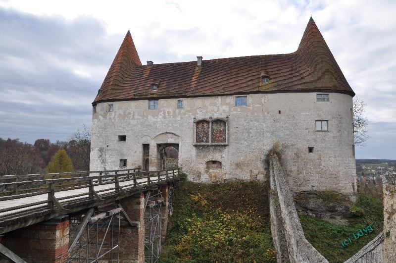 three musketeers filmlocation castle burghausen georgstor